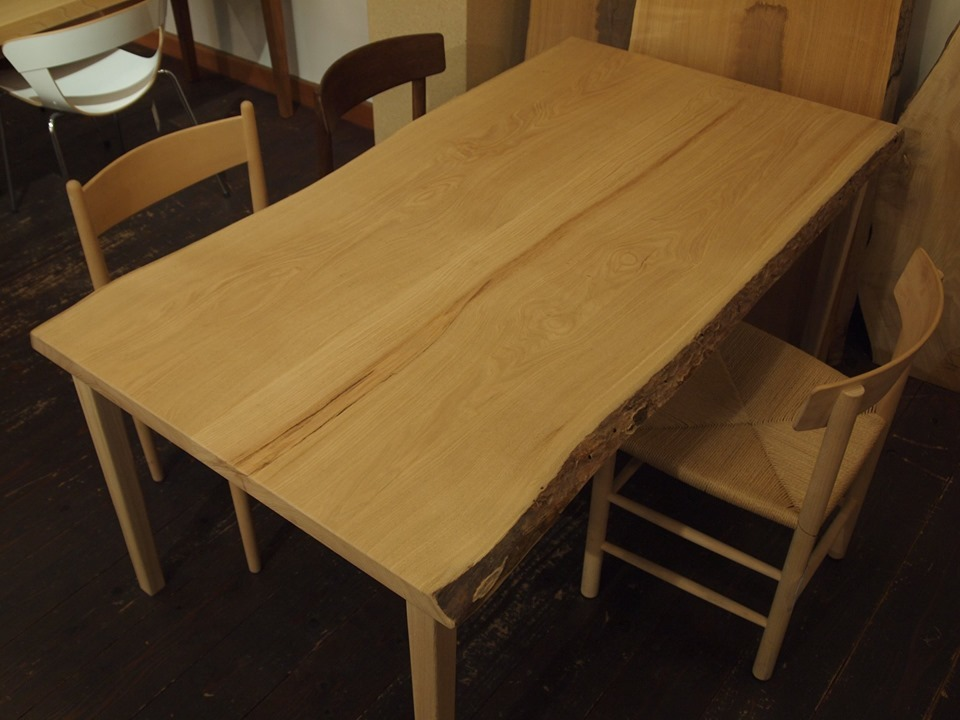 新しい家具が仲間入り_b0211845_16102862.jpg
