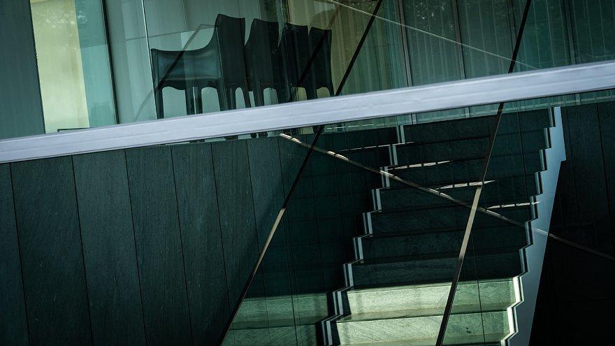 直線で構成された美術館_d0353489_23492008.jpg