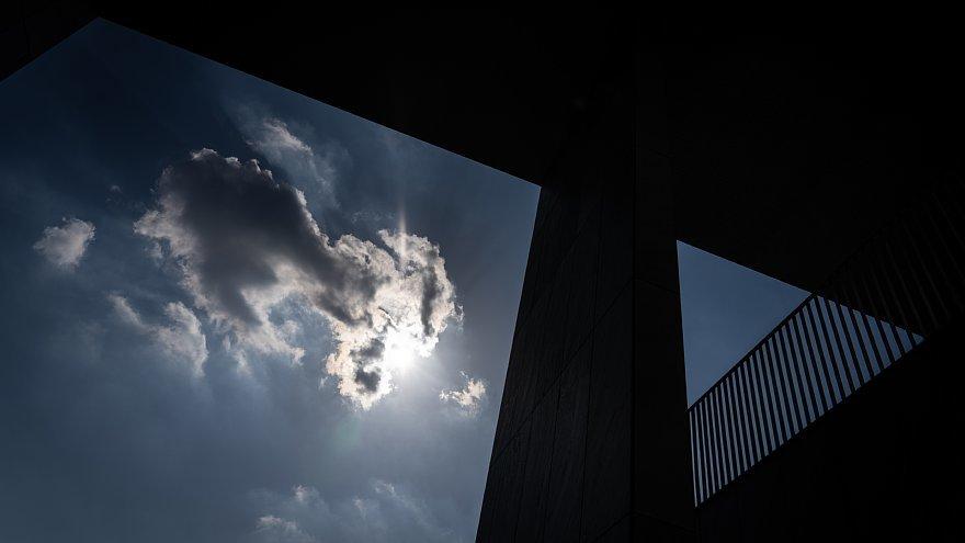 直線で構成された美術館_d0353489_23492484.jpg
