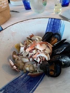 アマルフィの海が見えるリストランテで夕食☆_a0154793_23460812.jpg