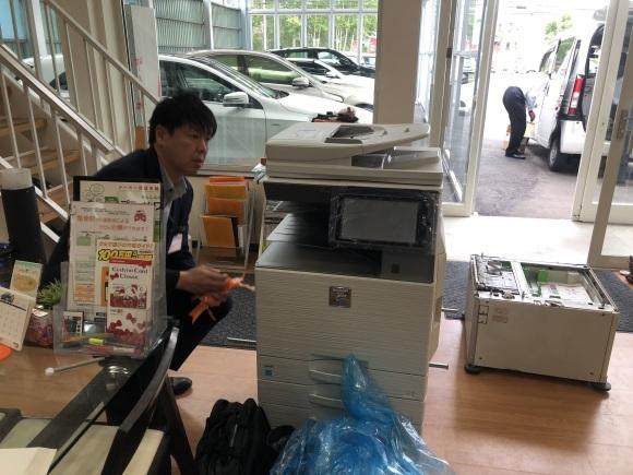 6月7日本店ブログ♪ ベンツS550 カブリオレありますよ♪ ランクル ハマー アルファード _b0127002_20153933.jpg
