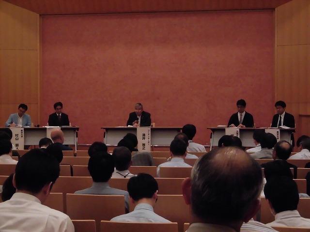 木をふんだんに使った東京大学農学部弥生講堂での「都市計画法50年・100年記念シンポジウム」_f0141310_07584113.jpg