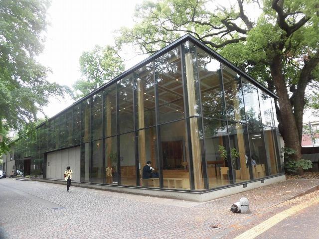 木をふんだんに使った東京大学農学部弥生講堂での「都市計画法50年・100年記念シンポジウム」_f0141310_07593529.jpg