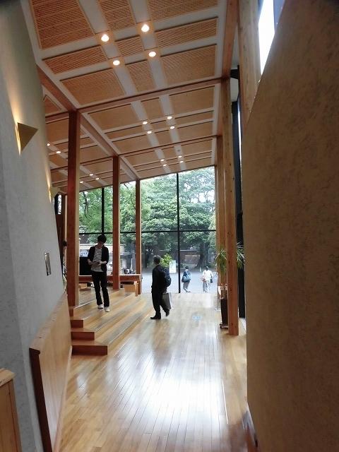 木をふんだんに使った東京大学農学部弥生講堂での「都市計画法50年・100年記念シンポジウム」_f0141310_07595118.jpg