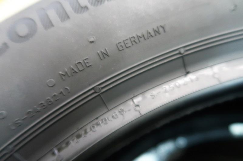 コンチネンタルタイヤの最新作「EC6」を「PC6」と比較接写_f0076731_21455953.jpg