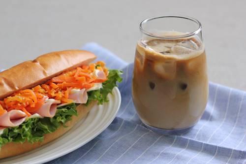 モラタメで「ネスカフェ ゴールドブレンド コク深め ボトルコーヒー」_a0165538_10082693.jpg