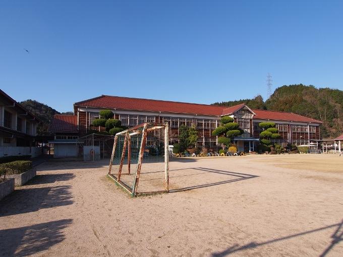 旧郷野小学校_f0116479_13180210.jpg