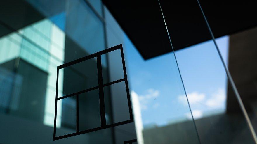 直線で構成された美術館_d0353489_00025651.jpg