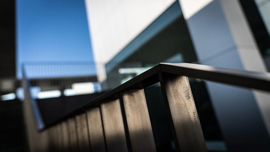 直線で構成された美術館_d0353489_00030177.jpg