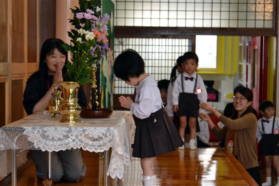 第一幼稚園「花まつり」_d0353789_14280033.jpg