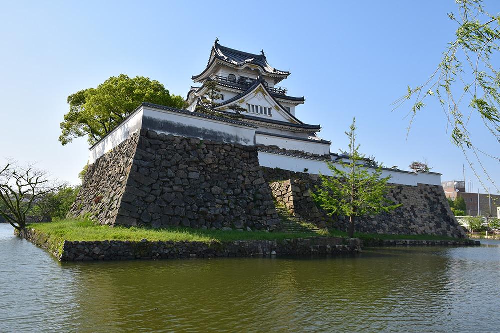犬走りの代表的な城、岸和田城攻城記。 その1 ~内堀~_e0158128_12035516.jpg