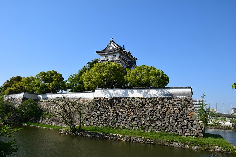 犬走りの代表的な城、岸和田城攻城記。 その1 ~内堀~_e0158128_12040204.jpg