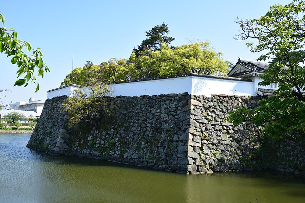 犬走りの代表的な城、岸和田城攻城記。 その1 ~内堀~_e0158128_12124358.jpg