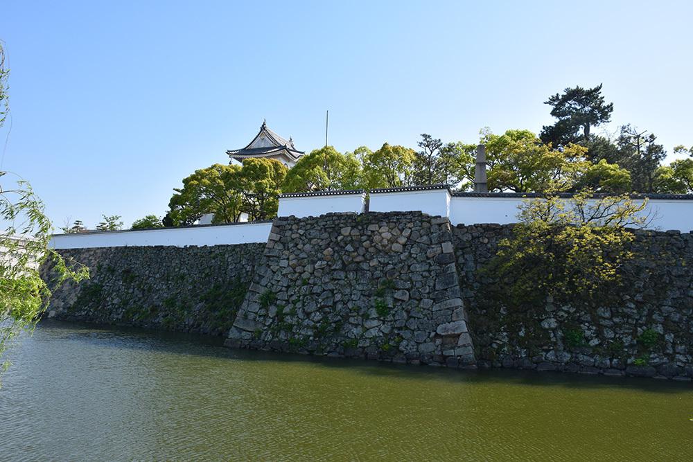 犬走りの代表的な城、岸和田城攻城記。 その1 ~内堀~_e0158128_12161291.jpg