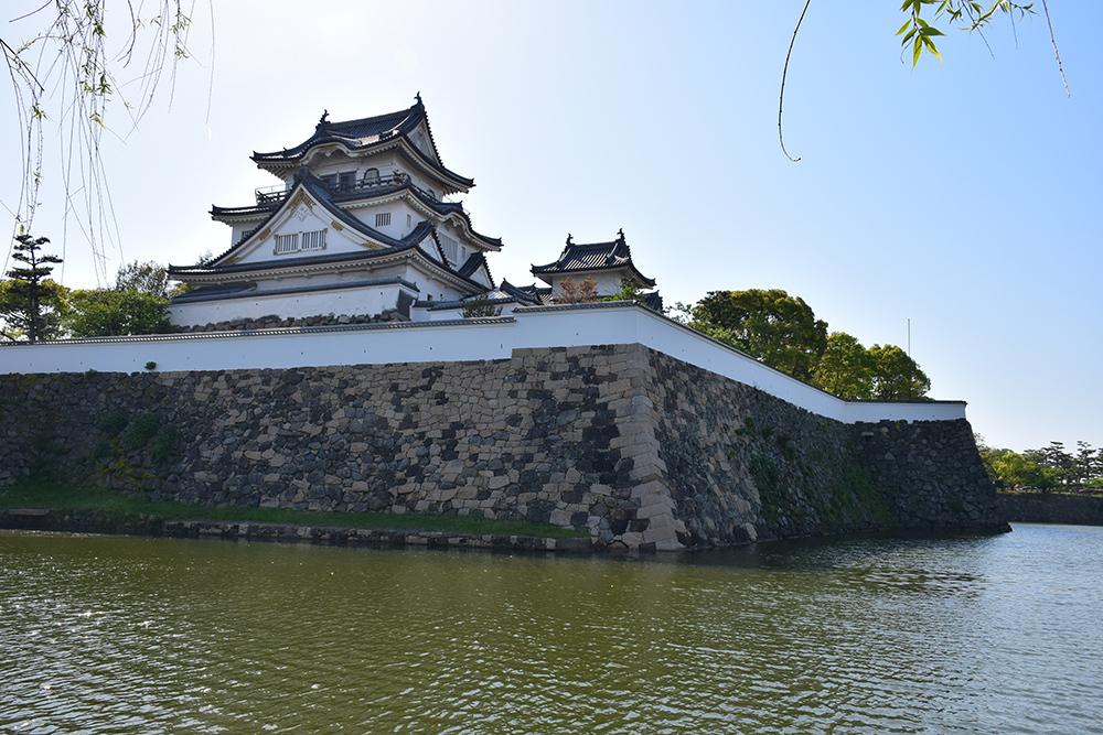 犬走りの代表的な城、岸和田城攻城記。 その1 ~内堀~_e0158128_12162329.jpg