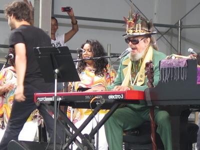 ニューオーリンズ・ジャズ・フェスでのドクター・ジョンの思い出_b0177242_13434132.jpg
