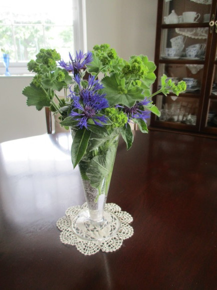 お庭のお花を飾れる!いい季節~~(^^♪_a0279743_22342753.jpg
