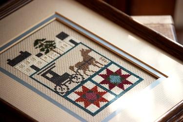 アーミッシュのウッドドールと刺繍フレーム_f0161543_17501384.jpg