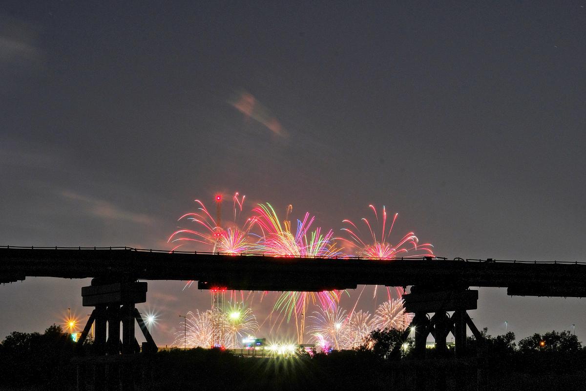 京都芸術花火_f0021869_15045537.jpg