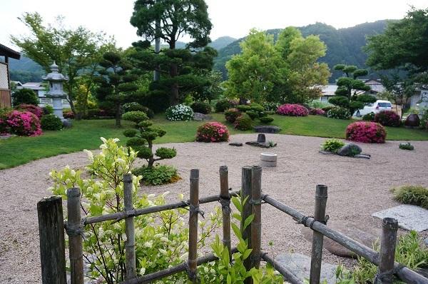また、夕方のお庭_e0365880_22121125.jpg