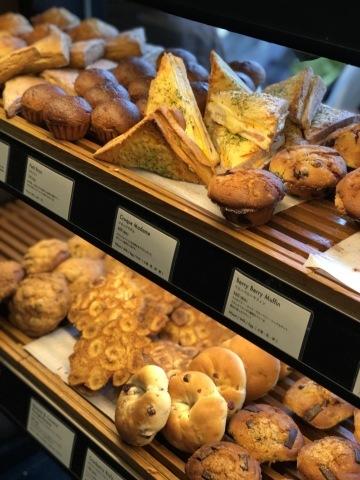 搬入日のランチはブレッドワークスさんのパンで♡_a0157409_10441181.jpeg