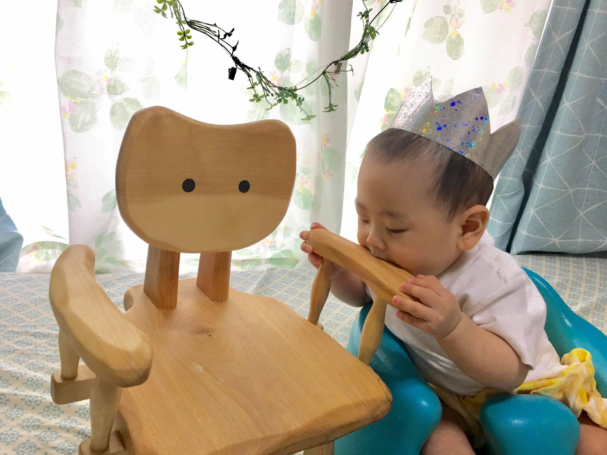 こねこ椅子_e0072513_16124705.jpg