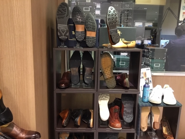 MEN\'S SHOE REPAIR_b0226322_11131755.jpg