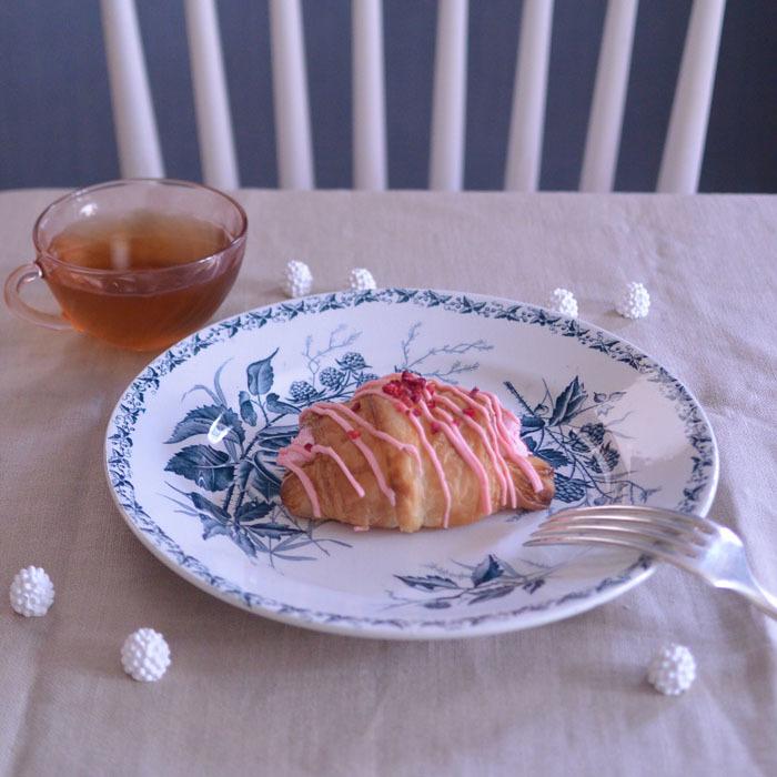 ◆フランスアンティーク*ベリーのお菓子を乗せたい♡素敵なプレート_f0251032_17453952.jpg