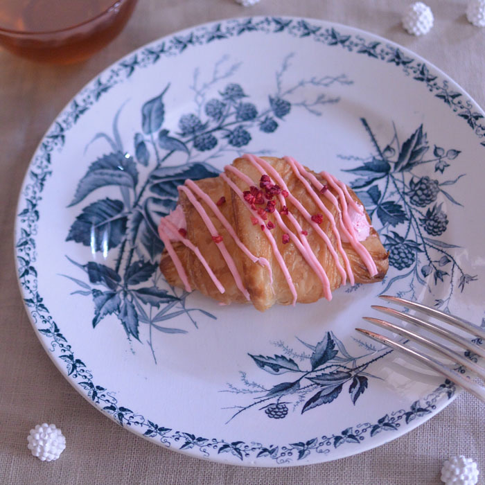 ◆フランスアンティーク*ベリーのお菓子を乗せたい♡素敵なプレート_f0251032_17472769.jpg