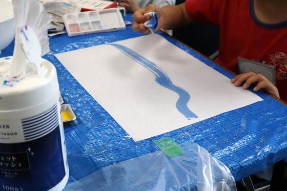 やと子ども美術教室 ~ 水を描く ~_e0222340_1511527.jpg