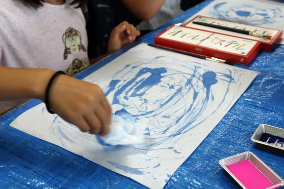 やと子ども美術教室 ~ 水を描く ~_e0222340_15123543.jpg