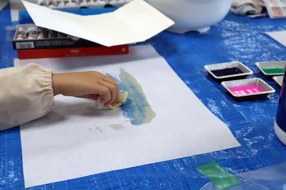 やと子ども美術教室 ~ 水を描く ~_e0222340_1512597.jpg