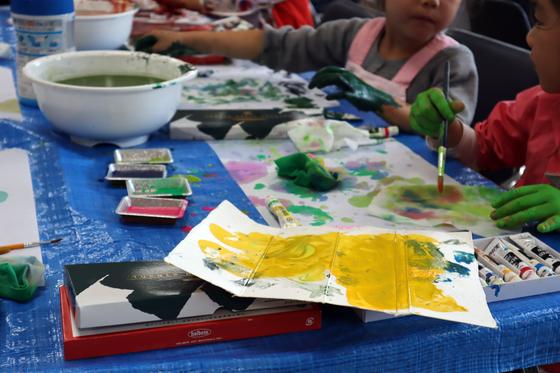 やと子ども美術教室 ~ 水を描く ~_e0222340_15131413.jpg