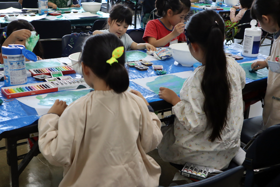 やと子ども美術教室 ~ 水を描く ~_e0222340_15154257.jpg