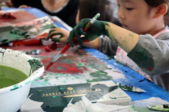 やと子ども美術教室 ~ 水を描く ~_e0222340_1516512.jpg