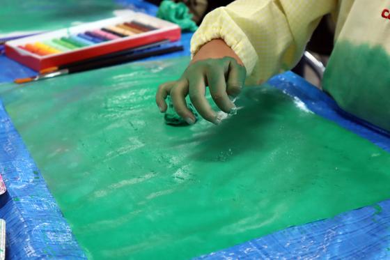 やと子ども美術教室 ~ 水を描く ~_e0222340_15174480.jpg
