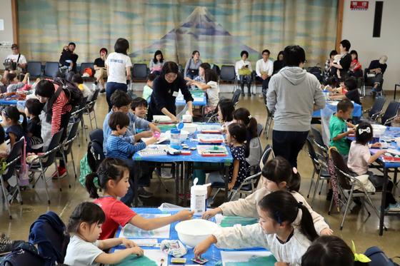 やと子ども美術教室 ~ 水を描く ~_e0222340_15195492.jpg