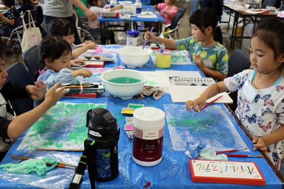 やと子ども美術教室 ~ 水を描く ~_e0222340_15232729.jpg