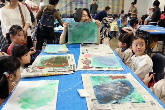 やと子ども美術教室 ~ 水を描く ~_e0222340_15305629.jpg