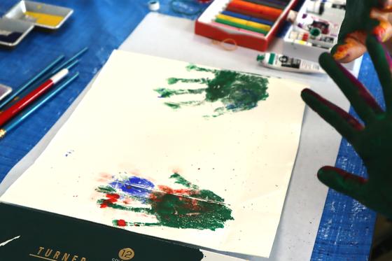 やと子ども美術教室 ~ 水を描く ~_e0222340_15342768.jpg