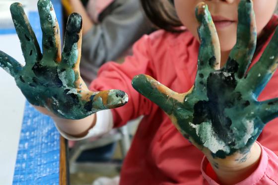 やと子ども美術教室 ~ 水を描く ~_e0222340_15405984.jpg