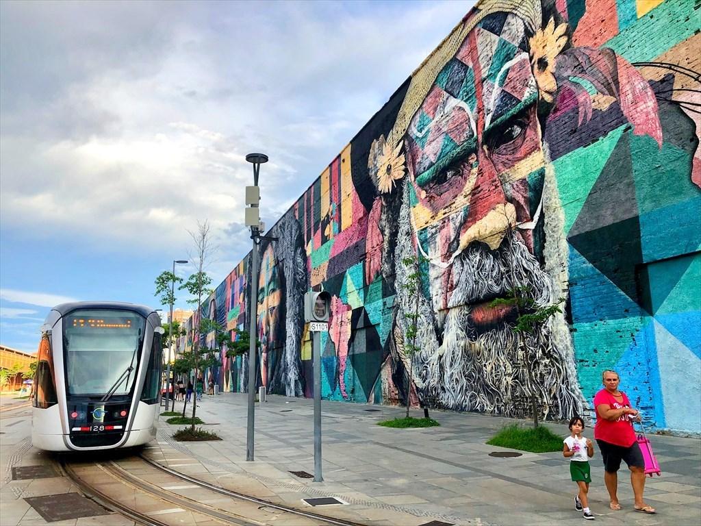 中南米の旅/53 オリンピック記念に描かれた巨大壁画@リオ_a0092659_16565366.jpg