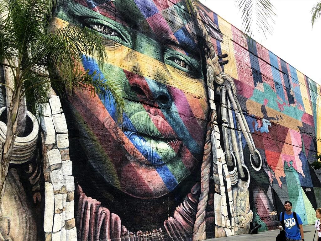 中南米の旅/53 オリンピック記念に描かれた巨大壁画@リオ_a0092659_17044001.jpg
