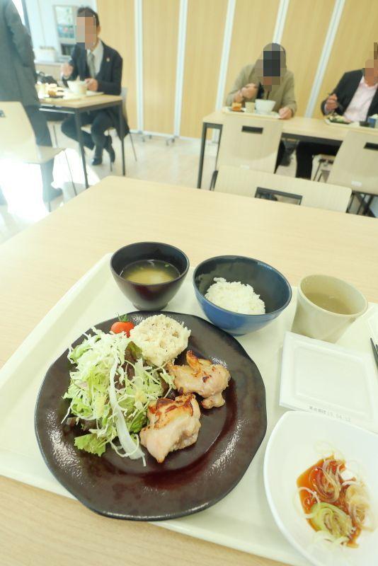 豊洲市場にて朝食_a0077663_18290386.jpg
