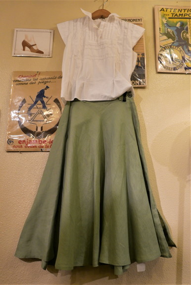 GUCCI linen skirt_f0144612_21025957.jpg