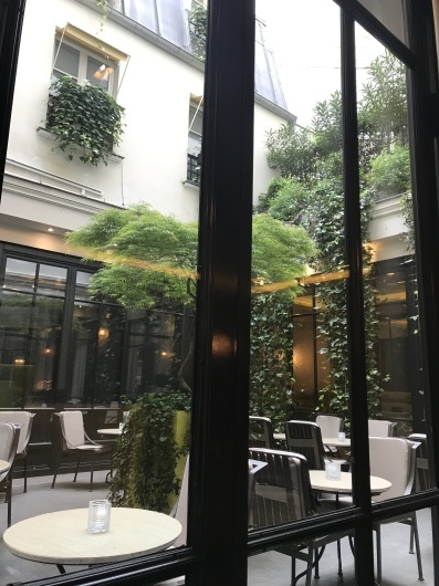 パリで朝食を💓_e0303431_19155157.jpg