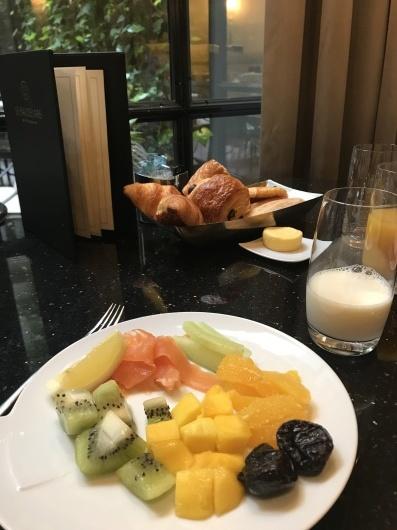 パリで朝食を💓_e0303431_19163108.jpg