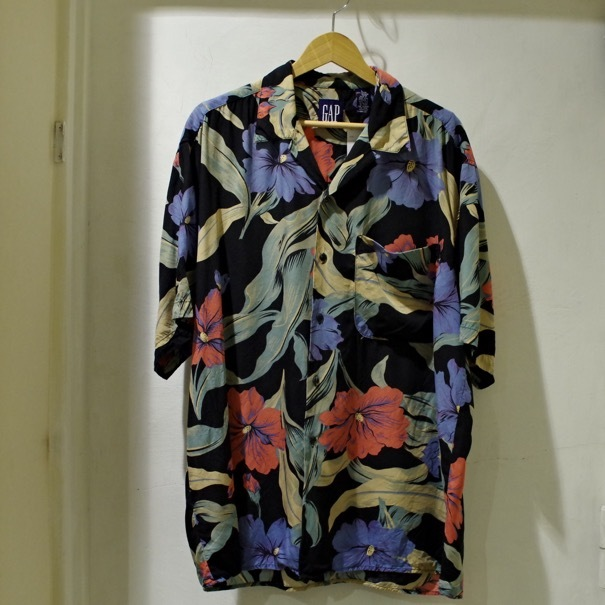 "1980-90s Old GAP Rayon Hawaiian Shirt ""Black\""_d0257333_20345795.jpg"