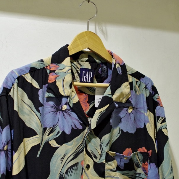 "1980-90s Old GAP Rayon Hawaiian Shirt ""Black\""_d0257333_20365799.jpg"