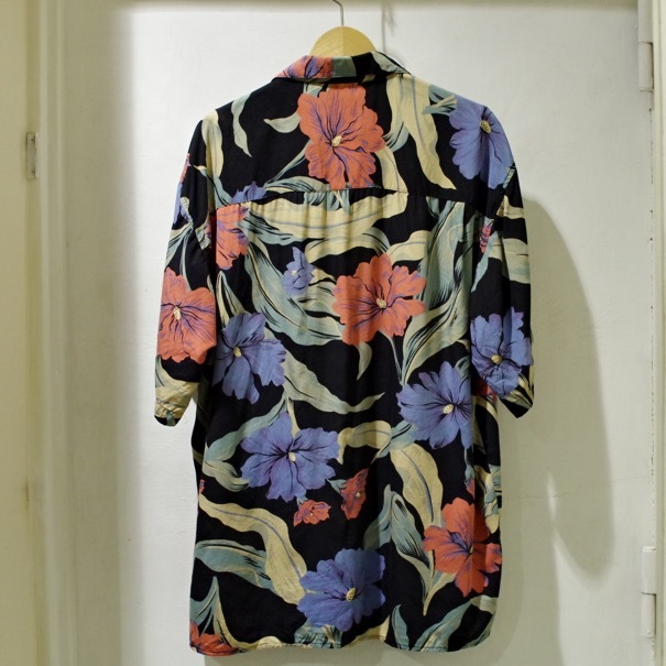 "1980-90s Old GAP Rayon Hawaiian Shirt ""Black\""_d0257333_20370584.jpg"